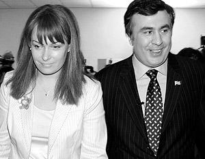 Саакашвили за год заработал 33 тыс. долларов, у его жены Сандры на счетах лежит в три с лишним раза больше