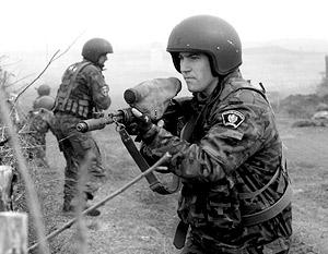 Военнослужащие, выполняющие боевые задачи в мирное время, должны обладать такими же привилегиями, как ветераны военных кампаний, подчеркнул Рогожкин
