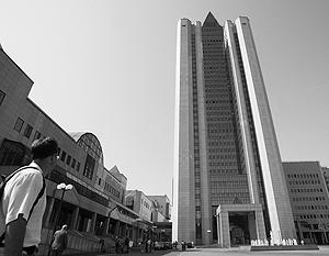 Несколько осколков попало на территорию центрального офиса Газпрома