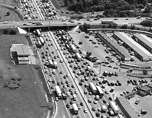 «Эпоха Лужкова» запомнится и масштабным дорожным строительством в Москве, и гигантскими пробками