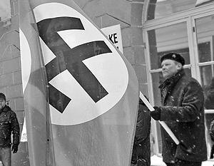 В отличие от русских, к националистам эстонские власти претензий не имеют