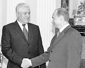 Президент России Владимир Путин и президент Молдавии Владимир Воронин во время рабочей встречи в Кремле
