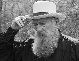 «Лев Толстой очень любил играть на балалайке, но не умел»