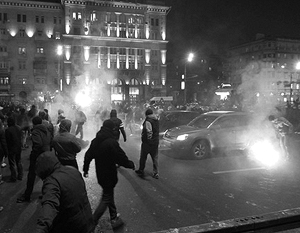Футбольные болельщики перекрыли Ленинградский проспект