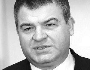 Сердюков пообещал за десять лет утроить боеготовность