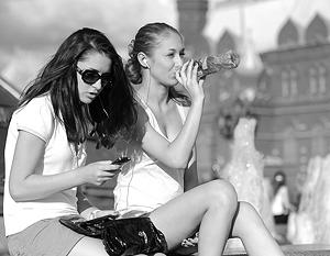 Легкие майки и короткие юбки могут исчезнуть с российских улиц