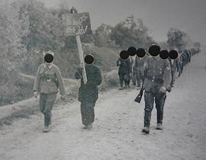 Качество снимков не позволяет определить принадлежность военнослужащих, лица скрыты