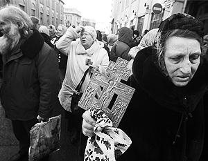9 марта верующие пришли к зданию Мосгордумы выразить протест против введения УЭК