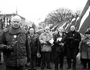 Латвийский МИД рекомендует интерпретировать марш легионеров СС как «акцию радикальных групп»