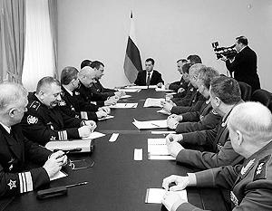 Верховный главнокомандующий поставил задачи развития армии до 2020 года