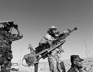 Повстанцы считают, что НАТО плохо воюет с Каддафи