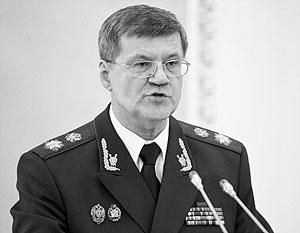 По мнению Юрия Чайки, преступность в армии прямо пропорциональна числу контрактников в ее рядах
