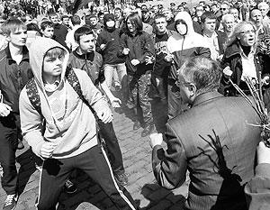 Чувство толпы подогревает «смелость» молодых поклонников Бандеры