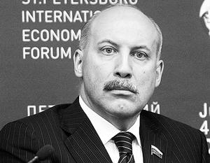 Дмитрий Мезенцев не мог не выслушать критику и не повысить зарплату бюджетникам