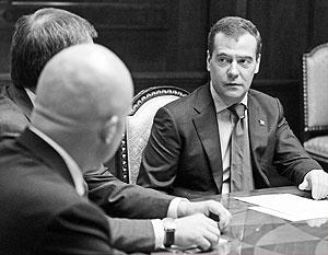 Дмитрий Медведев готов общаться с партийными функционерами в новых форматах