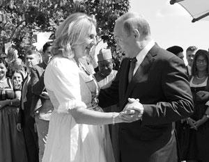 Карин Кнайсль лично пригласила Владимира Путина на свадьбу и была очень рада его появлению