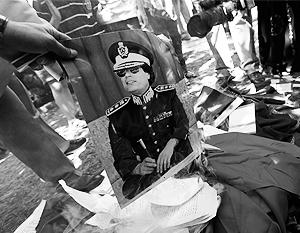 По некоторым данным, Каддафи успел сбежать в Алжир