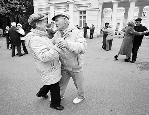 В среднем продолжительность жизни для всего населения составляет 70,3 года