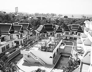 Гостиница Dewa Karon Beach Resort в Таиланде. Именно в ее бассейне и произошла трагедия