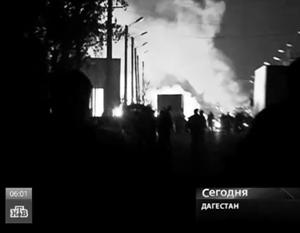В результате взрывов пострадали не только полицейские, но и проезжавшие мимо места происшествия мирные граждане