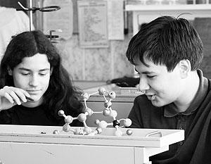 По новым стандартам физика перестанет быть для старшеклассников обязательным предметом