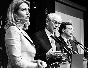 На фото: председатель Совета ЕС Хелле Торнинг-Шмитт, председатель ЕС Херман Ван Ромпей и председатель ЕК Жозе Мануэл Баррозу (слева направо)