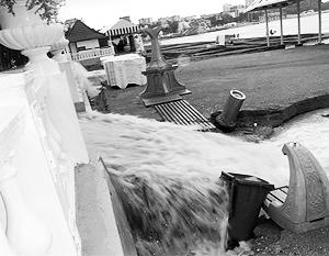 Краснодарский край уже второй день находится во власти наводнения