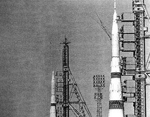 H-1 — советская ракета-носитель сверхтяжелого класса. Планировалось, что именно она доставит советских космонавтов на Луну