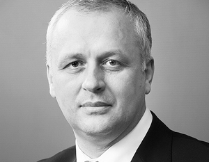 Удерживаться на своем посту Владимиру Стрельченко, возможно, помогала принадлежность к «Боевому братству»