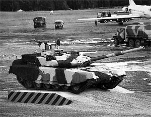 Одним из первых покупателей модернизированного танка Т90С может стать Казахстан, считают эксперты