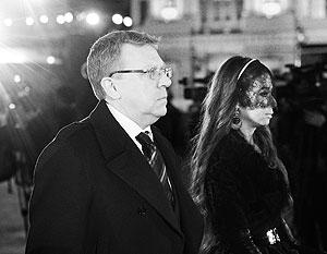 Алексей Кудрин с супругой на открытии Большого театра после реконструкции. Сразу заметно, что в государственной пенсии бывший министр явно не нуждается