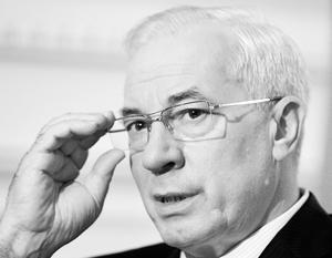 Азаров попытается реабилитироваться за оконфузившийся проект по строительству терминала для СПГ