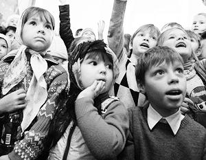Дума может разрешить усыновлять российских сирот жителям лишь двух государств