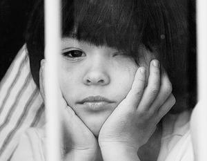 Майкл Макфол заявил, что Россия больше не сможет следить за судьбой ранее усыновленных американцами детей
