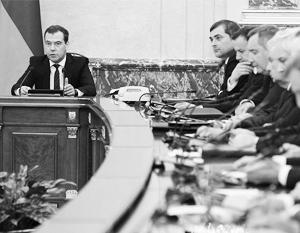 Дмитрий Медведев попросил СМИ не изобретать рейтинги успешности министров
