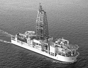Японское судно «Тикю», которое ведет бурение метангидратного месторождения в Тихом океане