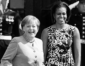 Как напоминают эксперты, Мишель Обама руководит подготовкой сотен руководителей для НКО, а Ангела Меркель сама является волонтером движения «Белое кольцо»