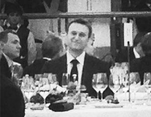 Навальный «ел на банкете в знак протеста»