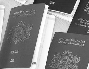 Два паспорта в Латвии позволено иметь не всем