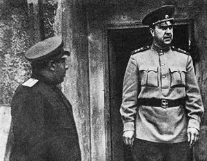 Начальник Главного управления контрразведки СМЕРШ Виктор Абакумов на фронте