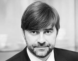 Тех, кто предназначенные на парад деньги предлагает «лучше отдать» ветеранам, Сергей Железняк считает продажными людьми