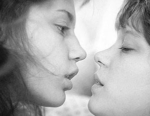 Победителем Канн стал фильм о крепких женских объятьях
