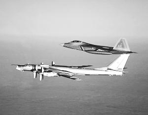 Американские истребители 40 минут сопровождали грозных российских «Медведей»
