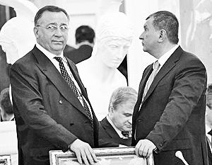 Николай Токарев (слева) и Игорь Сечин не хотят смотреть в одном направлении
