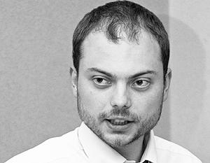 Присяга, данная чужой королеве, вновь не позволила Владимиру Кара-Мурзе пробиться во властные структуры России