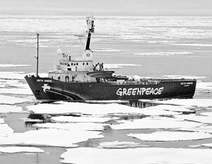 ФСБ и Greenpeace не могут поделить нефтяную платформу в Арктике