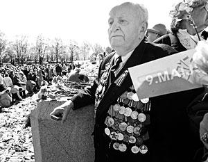 Оппозиция сомневается, что министр обороны Латвии найдет деньги на собственные пособия для ветеранов войны