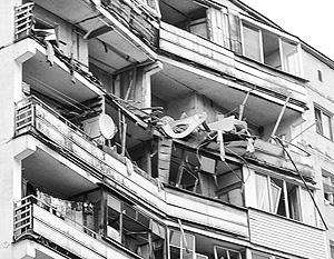 Спасатели продолжают поиски жильцов дома под завалами