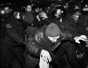 Митингующие утверждают, что их «убивали палками»