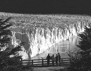 В среднем с 1980 года толщина 30 находящихся под наблюдением ледников в девяти горных хребтах сократилась на 9,6 метров в водном эквиваленте